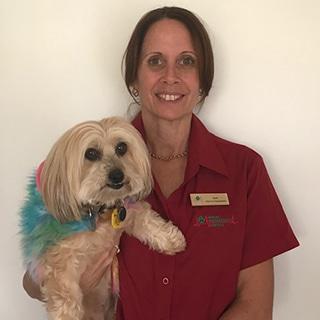 Client Care Specialist Lynn Vogler, Animal Emergency Service Tanawha